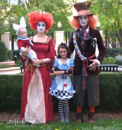 homemade-matching-family-halloween-costumes-4