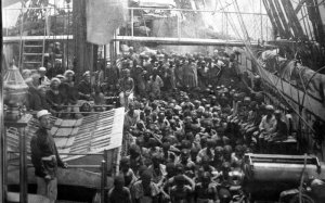1364724561_Rare+Photo+of+African+Slaves+aboard+ship