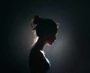 silhouette_of_a_girl