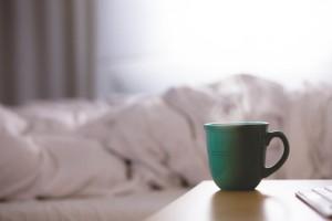 mug-bedroom-unsplash-1024x683